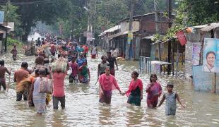 """น้ำท่วม """"เอเชียใต้"""" คร่าแล้วเกือบ 600 ประสบภัยหลายล้าน"""