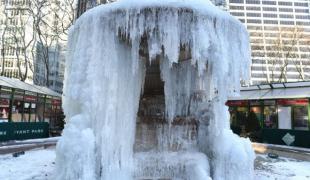 พายุฤดูหนาวคุกคามฝั่งตะวันออกสหรัฐ ทำอุณหภูมิลดฮวบ เย็นกว่าดาวอังคาร!