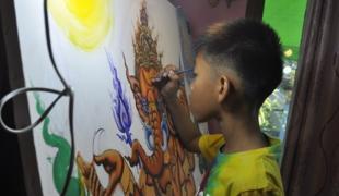 ทึ่ง! เด็กชาย 11 ขวบ วาดภาพพุทธศิลป์สุดสวยงาม