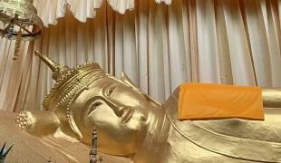แห่งเดียวในไทย! ประชาชนแห่สักการะ 'พระนอนทรงเทริดมโนราห์' อายุนับพันปี