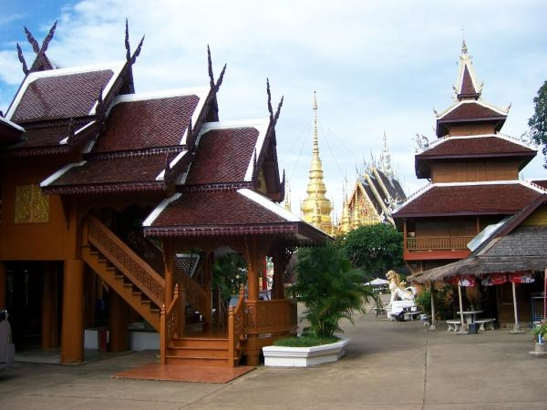 เรือนไทย วัดพระธาตุสุโทนมงคลคีรี