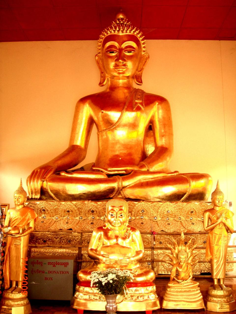 Wat Saen Muang, UNION OF MYANMAR; 07APR2009 0