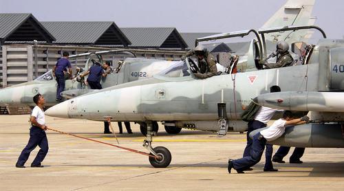 royal thai l39 albatross flight line