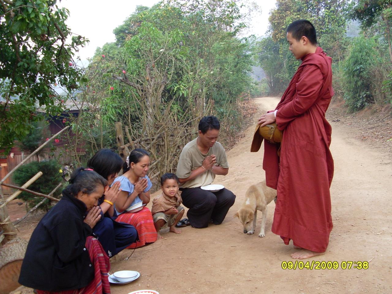 ณ หมู่บ้านห้วยปูลิง แม่ฮ่องสอน