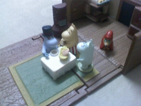 toys bought for mom :D hhaha