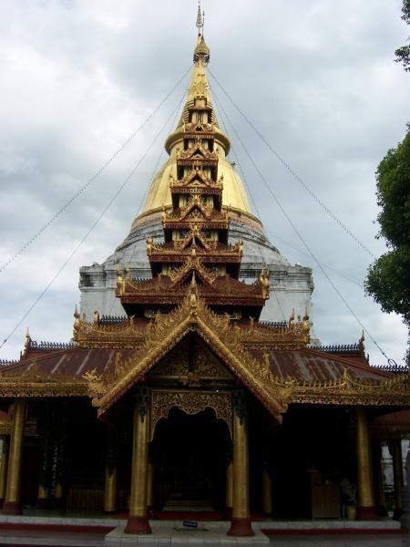 วิหารพระพุทธรูป วัดพระแก้วดอนเต้าสุชาดาราม 1