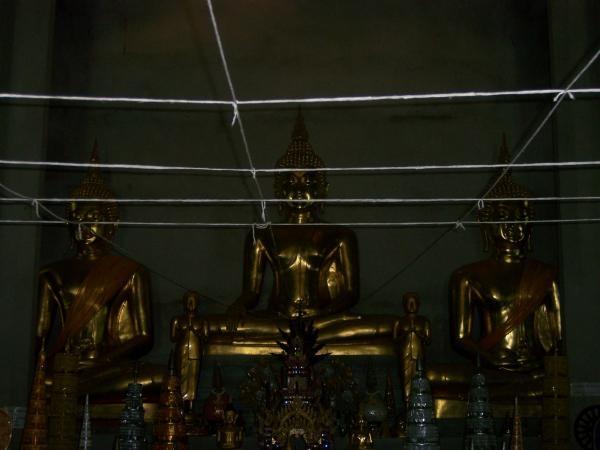 พระพุทธรูปภายในวิหารพระเจ้าปันต๋น วัดพระบรมธาตุถิ่นแถนหลวง 2