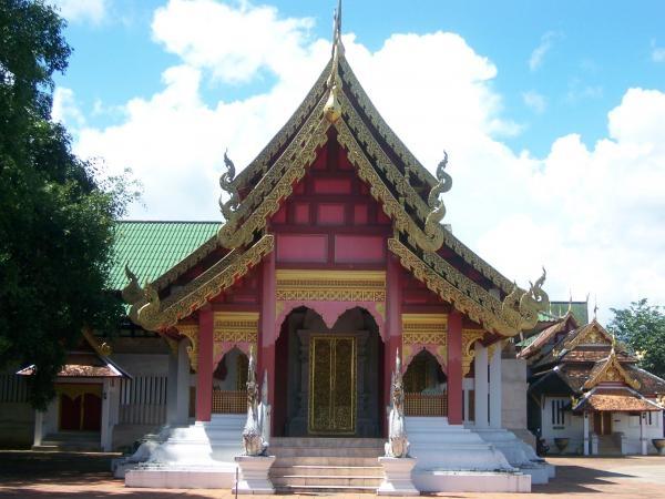 วิหารศิลปะล้านนาไทยด้านหน้า