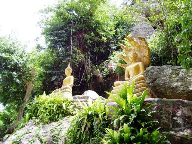 พระพุทธรูปในอุทยานร่มเกล้า