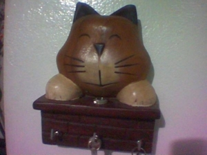 แมวไม้ มันยังรู้จักยิ้ม