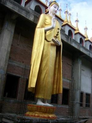พระปางประทานพรศิลปะพม่า วัดพระธาตุสุโทนมงคลคีรี
