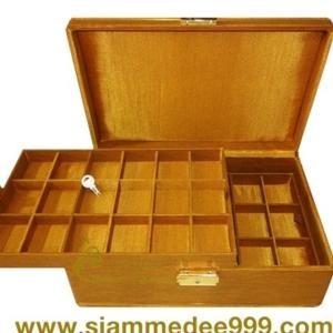 กล่องใส่พระ ผ้าไหมสีทอง สนใจโทรสอบถามเพิ่มเติมได้ค่ะ Tel. 081-641-9534  Tel. 089-514-5105 (หยก) ดูสินค้าเพิ่มเติมได้ที่ www.siammedee999.com Line