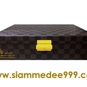 กล่องใส่พระ หนังลายหลุยส์ 2ชั้น 30 ช่อง สนใจโทรสอบถามเพิ่มเติมได้ค่ะ Tel. 081-641-9534  Tel. 089-514-5105 (หยก) ดูสินค้าเพิ่มเติมได้ที่ www.siamme