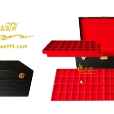 กล่องหนังใส่พระ กล่องเก็บพระเครื่อง 160 ช่อง สนใจโทรสอบถามเพิ่มเติมได้ค่ะ Tel. 081-641-9534  Tel. 089-514-5105 (หยก) ดูสินค้าเพิ่มเติมได้ที่ www.s