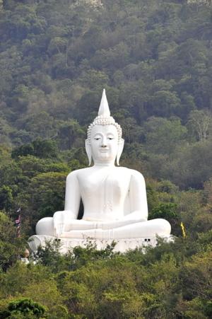watwhite buddha