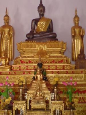 พระพุทธรูปในเมืองนครพนม