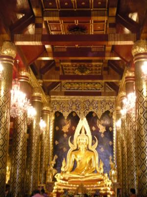 Chinarat Buddha Statue