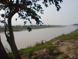 ด้านหน้าวัดติดเเม่น้ำโขง