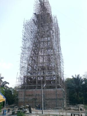 พระธาตุที่สร้าง เห็นเป็นรูปร่าง จะได้รับพระราชทานพระบรมสารีริกธาตุจากสำนักพระราชวังมาประดิษฐานไว้ที่นี่ด้วย