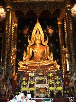 Phra Buddha Chinnarat, Phitsanulok, THAILAND; 22JAN2009 1