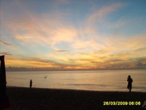 ยามเช้าหาดชะอำ:บริการรถตู้VIPพาเที่ยว 0823572598
