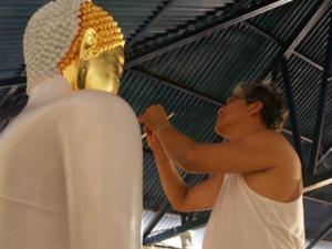 P2052772    ปิดทองพระพุทธรูป