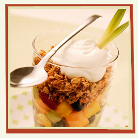 fruit granola yogurt parfai
