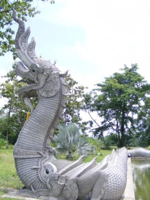 ด้านหน้าโบสถความสวยต้องwww.watparkmuang.com