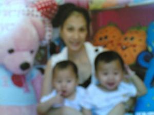สามแม่ลูก
