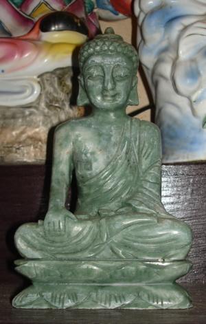 36.พระพุทธรูป หินเขียวเเม่น้ำโขง