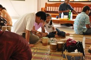ครอบครัวเที่ยงรอดราย มาจากกรุงเทพ