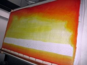 ขั้นตอนการเขียนภาพ ลำดับที่ 2 ร่างภาพแล้วลงสีรองพื้น ส่วนองค์พระพุทธรูป