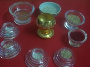100 1780 พระบรมสารีริกธาตุ สันฐานต่าง ๆ  ที่อัญเชิญบรรจุลง ในบาตรทองคำ