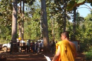 DSC06653 ชายแดนไทยพม่า  ได้นำหระพุทรูปหน้าตัก30นิ้ว 2องค์ไปยังเมืองหางเพื่อไปเป็นพระประทาน