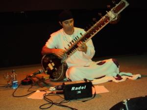 showraj การแสดงดนตรีบนเกาะ Florianópolis, บราซิล, ในเดือนเมษายนของปี 2010 ของฉัน