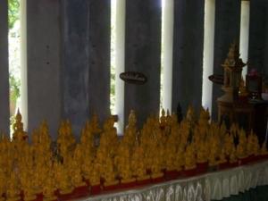 พระพุทธรูปองค์น้อยภายในวิหารพระเจ้าปันต๋น วัดพระบรมธาตุถิ่นแถนหลวง 3