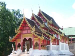 วิหารศิลปะล้านนาไทยด้านข้าง