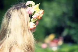 midsommar flower child 08.jpg effected large