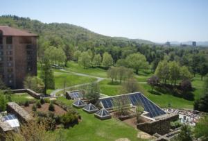 อีกมุมหนึ่งของโรงแรมหินที่เก่าที่สุดใน Asheville, North Carolina