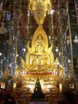 พระพุทธชินราชในวิหารแก้ว วัดท่าซุง 2