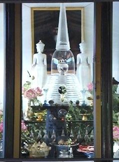 เจดีย์บรรจุพระบรมสารีริกธาตุ ก่อนบรรจุในเจดีย์พระศรีอาริย์