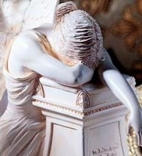 weeping statue Me!