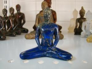 พระธรรมกาย ลาปิส ลาซูลี่  พระธรรมกาย แกะสลัก จาก ลาปิส ลาซูลี่ (Lapis Lazuli)  ขนาดหน้าตัก 3 นิ้ว