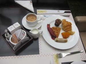 IMG 7918 ชุดแรกของมื้อเช้า