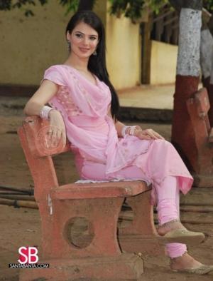 urvashi shoots for babar 7