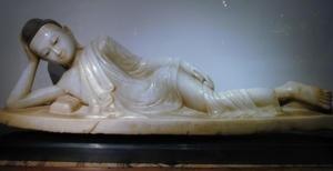 alabaster laying buddha chan period 18 centruy