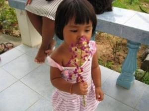 ดอกไม้ฉวยย.. คำพูดประจำของน้องอิง