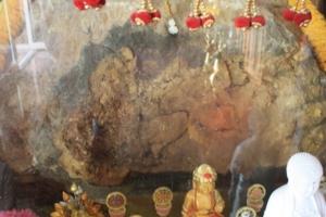 รอยพระพุทธบาทโพธิสถานมงคลธัญ